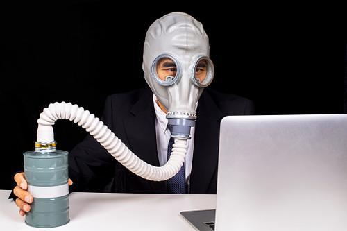 Agora, as empresas é que estão precisando de ventilador pulmonar...